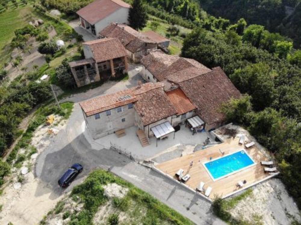 Huizenruil: Appartement in Clavesana