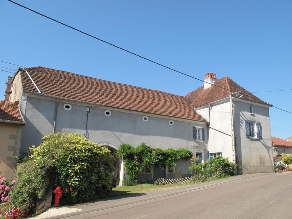 Huizenruil: Boerderij in Vougecourt