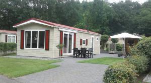 Huizenruil: Chalet in Luttenberg